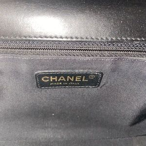 """CHANEL Bags - Auth CHANEL Black Lambskin GHW """"New"""" Medium Boy"""